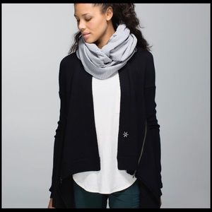 Lululemon Vinyasa Scarf - Heather Grey and White